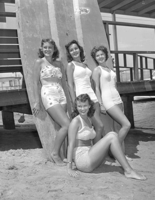 Contestants for queen of Newport Beach Tournament of Lights, California, 1947 - standing, left to right, Pat Sayre, Anita Coane and Joyce Purcell. Dorothy Babcock is seated.
