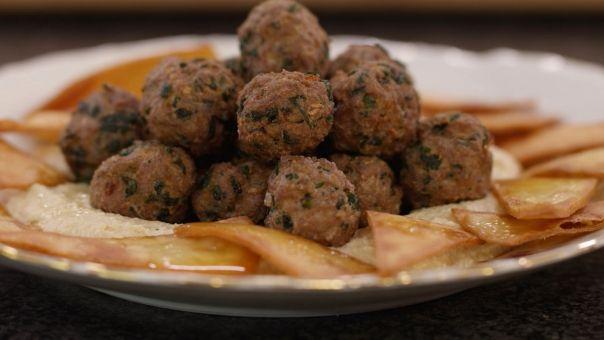 Eén - Dagelijkse kost - gefrituurde lamsballetjes met humus