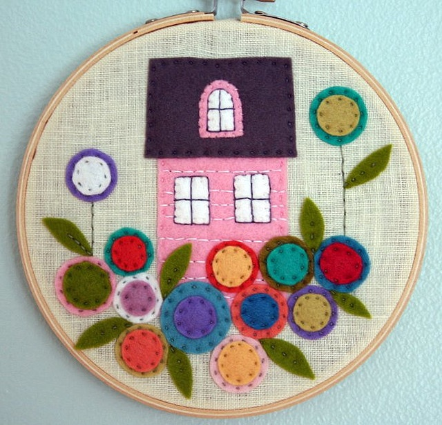 little house... #felt #craft
