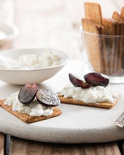 Snack: Cottage Cheese and Grapes on Crackers
