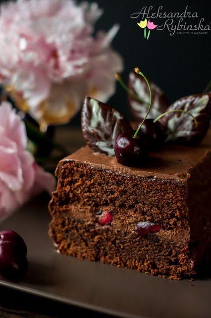 Aleksandra's Recipes: Chocolate Cake with Whipped Chocolate Ganache and Cherries