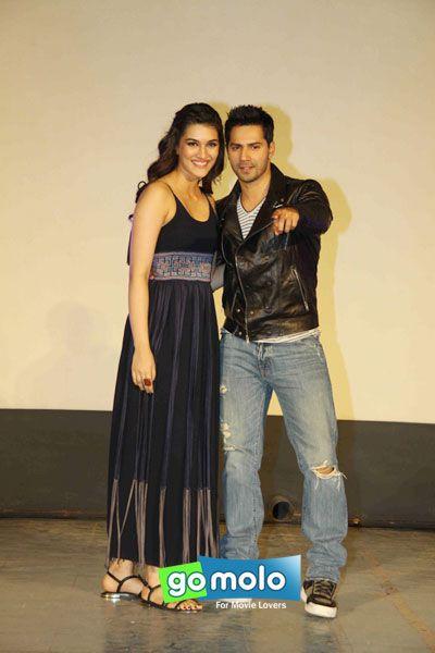 Kriti Sanon & Varun Dhawan at the Launch of Hindi movie 'Dilwale' new song 'Gerua' at Maratha Mandir in Mumbai
