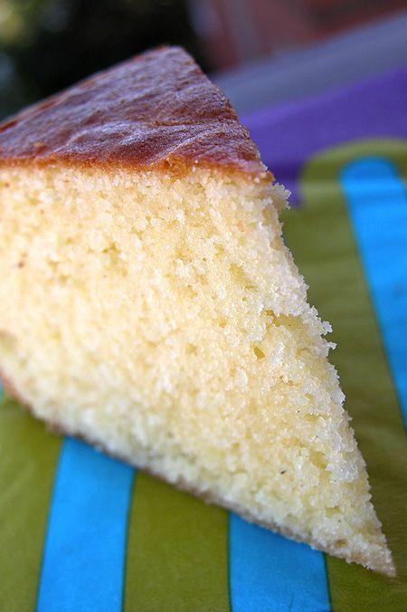 Torta alla ricotta, semplicissima | Simple Cake with Ricotta. http://www.ilpastonudo.it/dolci/torta-alla-ricotta-semplicissima/ (googletranslate)
