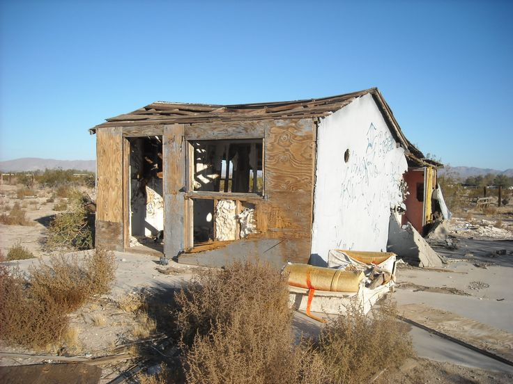 17 best images about decay in the desert on pinterest for Shack homes