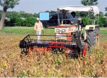 Technology Catalogue | National Innovation Foundation - India For more information visit our website: www.nif.org.in OR http://nif.org.in/innovation/reaper_windrower/602