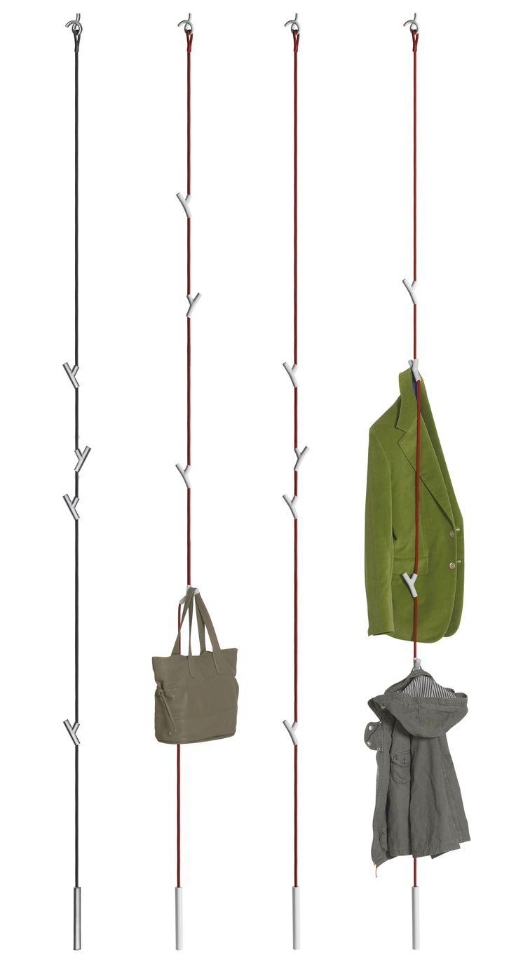 Scopri Appendiabiti Wardrope -cavo con 4 ganci, Cavo rosso / Ganci bianchi di Authentics, Made In Design Italia