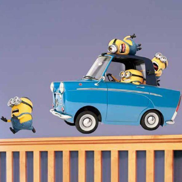 Samolepka na zeď Mimoni Auto 100 x 46,5 cm. Tak to je jízda!