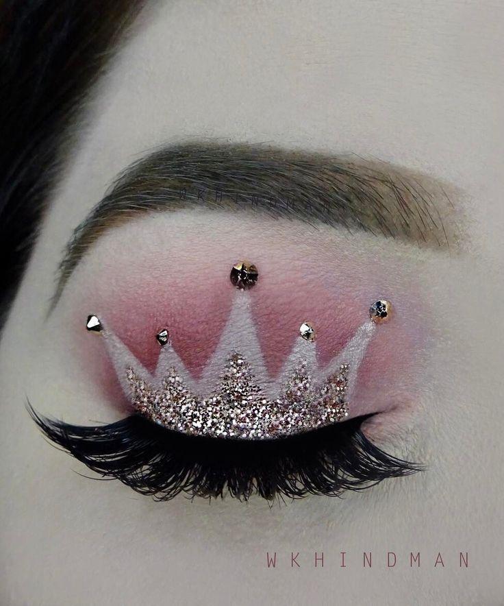 Realizza un make up da vera regina disegnando una corona sugli occhi