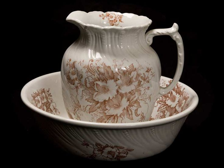 17 best images about antique water pitchers on pinterest pottery glass pitchers and devon. Black Bedroom Furniture Sets. Home Design Ideas