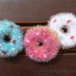 Gehäkelte Donuts als Spül- oder Duschschwamm