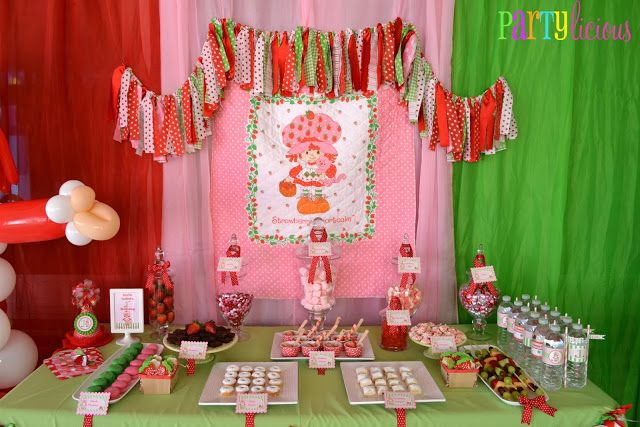 Partylicious: {Vintage Strawberry Shortcake Birthday}