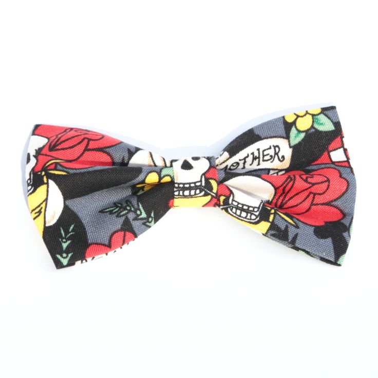 Gorgeous tattoo design hair bow with clip. Could be great for a little Rockabilly kid!