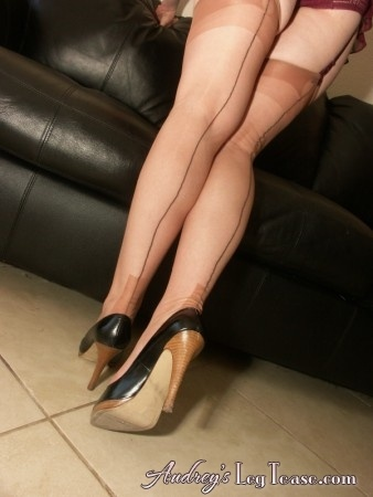 fully-fashioned-stockings: Girdles, Pinups, Style, Adult Content, Nylon, Legs, Fully Fashioned Stockings, Blog