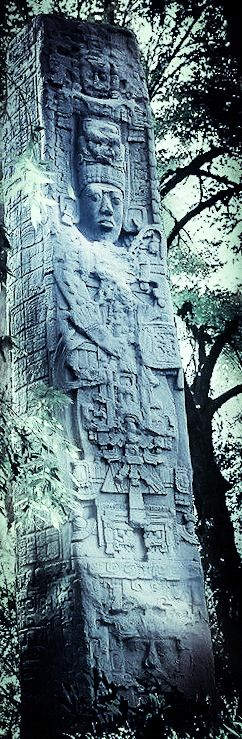 STAR GATES: WHO ARE THESE PEOPLE WITH THE HI TECH SUIT AND SPECIAL EQUIPMENTS??? WHAT IS THE MESSAGE THAT THEY LEFT HERE FOR THE FUTURE GENERATIONS ON PLANET EARTH???  In the.. jungles of Mexico. what do you see?? WHAT DO YOU THINK?? WHAT DO WE KNOW??