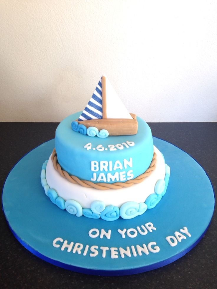 Sea themed crusting cake with a boat and waves 👌🏻😊🎂