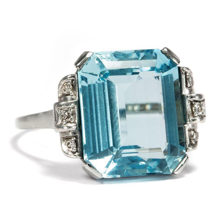 Tauch ein! - Eindrucksvoller Aquamarin-Ring des Art Déco mit Diamanten in Weißgold, um 1935 #hoferantikschmuck #antik #schmuck #antique #jewellery #jewelry