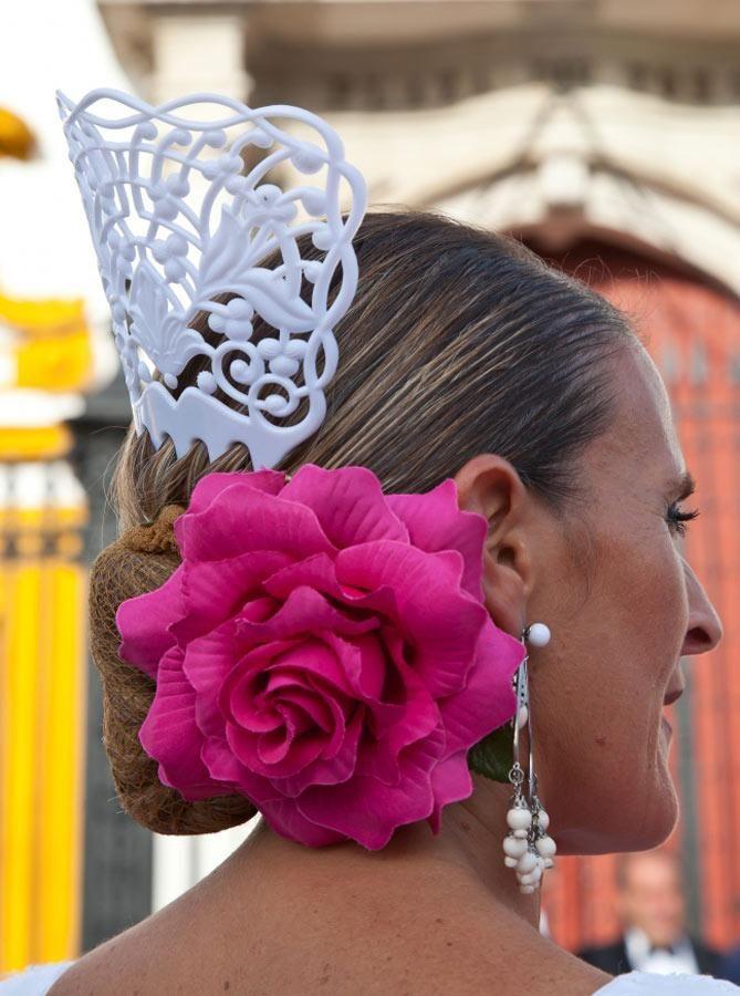 Cómo lucir con estilo complementos de moda flamenca en la Feria de Abril 2013 - Feria de Abril - Fiestas - Practicopedia.com