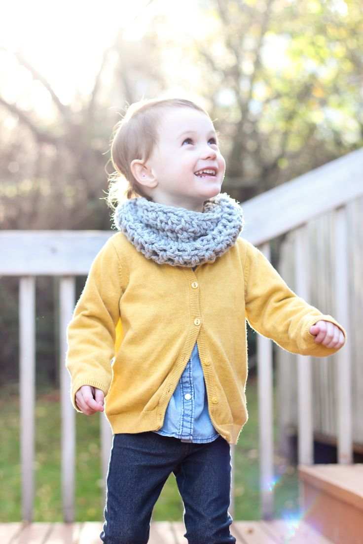 25+ best ideas about Toddler Cowl on Pinterest Toddler scarf crochet patter...