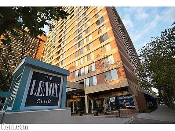 Lenox Club   401 Twelfth Street South, Arlington VA 22202   Rent.com Density