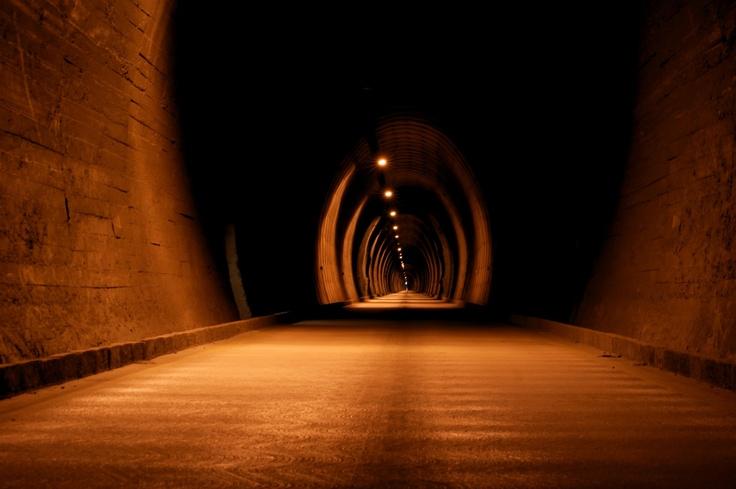 Túnel Las Raíces, Chile.