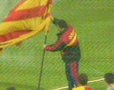 Souness retained his hard man reputation into his managerial career, braving thousands of baying Fenerbahce fans to plant a Galatasaray flag in the middle of their pitch. Truly nails.