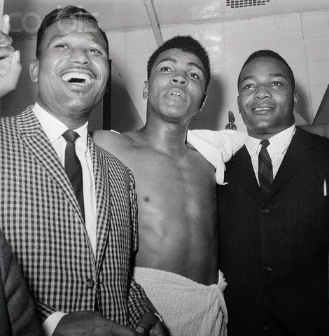 Sugar Ray Robinson, Muhammad Ali, and Jim Brown..Whatchu know about this allstar threesome??? haha xo love this