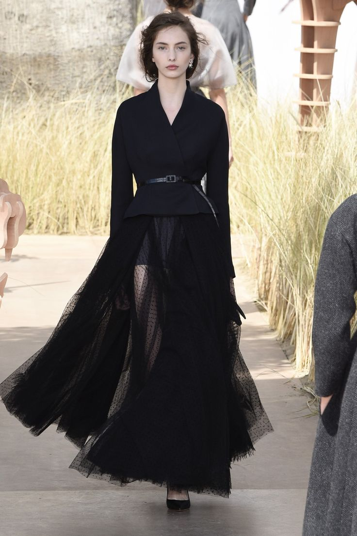 Dior>A/W 2017.18>Haute Couture | Showdetails Collection