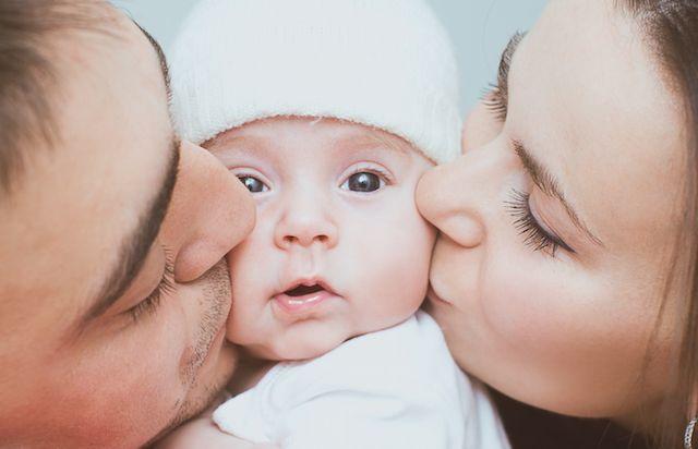 Είναι κακό να φιλάμε τα παιδιά στα χείλη;  Το αν θα πρέπει να φιλάμε τα παιδιά μας στο στόμα ή όχι είναι ένα ερώτημα που έχει απασχολήσει αρκετούς γονείς και έχει προκαλέσει ποικίλες και αντίθετες ...