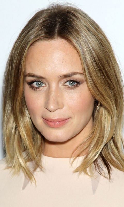 Mid-Length Hairstyles: Emily Blunt, 2012
