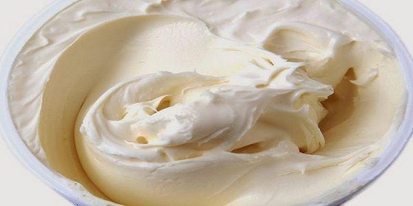 Выглядит как пломбир, но это вкуснейший крем! Очень вкусный крем так и тает во рту! Пальчики оближешь Нежный крем, напоминающий пломбир.
