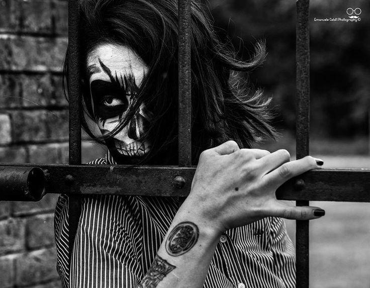 Make up Idea by Aghiskizza Icm. Ph: Emanuele Celati  #aghiskizza #agataborghesan #aghiskizzaicm #skull #skullmakeup #makeup #facepaint #creepymakeup #horrormakeup #creepy_make_up #horror #skull_make_up #tattoo #alternativemodel #alternative_girl #alternative #blackandwhite #bw #blackandwhitephoto #photography #photoshoot #modeling #modelling