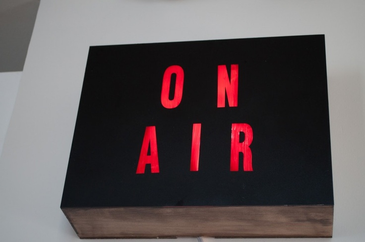 DIY Retro 'On Air' Box...i could see this being used as a way to signal the class its time to get started