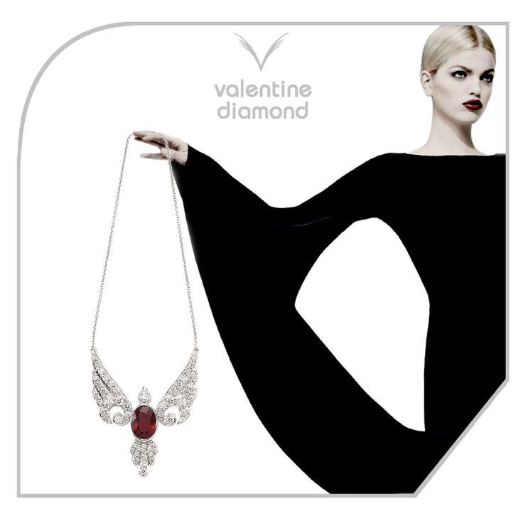 Sevgi Kanatlarınızın altında #love #happy #ring #yuzuk #diamond #pirlanta #marry #wedding #fiance #weddingring #jewelry #kolye #necklace #bracelet #  #istanbul #amazing  #girl #women #style #design #engagement #white #luxury #fashion