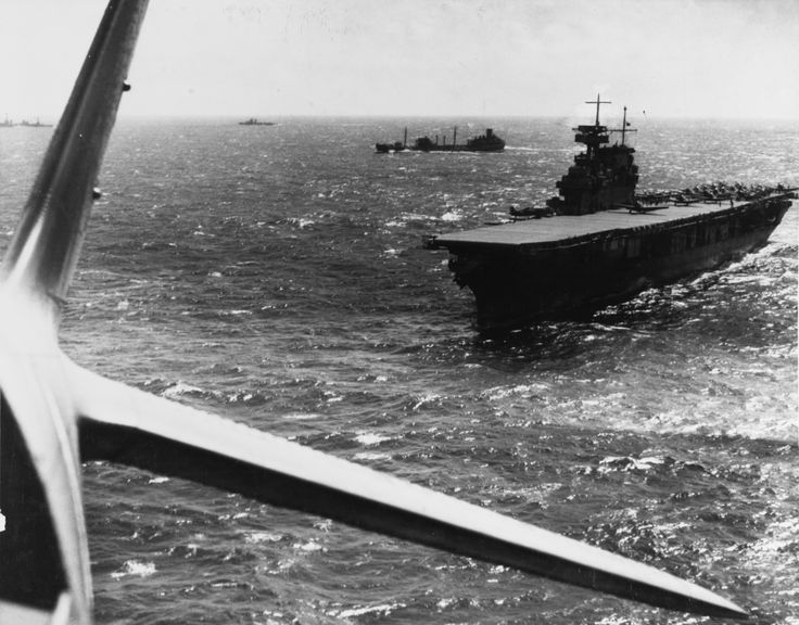 upload.wikimedia.org wikipedia commons b b8 USS_Yorktown_(CV-5)_during_the_Battle_of_the_Coral_Sea,_April_1942.jpg
