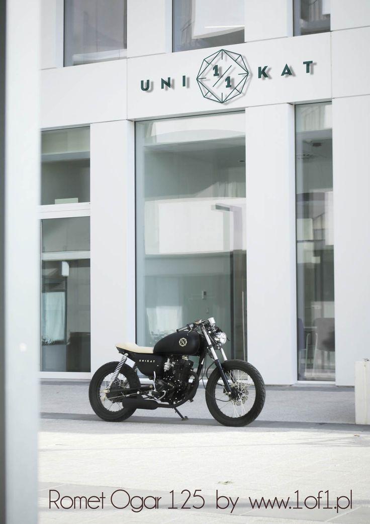 Ogar 125 ccm Espresso with cream colour seat  by Unikat Motorworks custom garage.