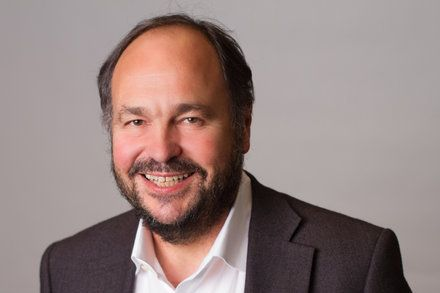 Pivotal Software Gets a New Leader and Announces Strong Cloud Revenue Paul Maritz is stepping aside as chief executive of Pivotal Software. Pivotal the cloud-computing spinoff of EMC also announced strong growth in cloud subscriptions. Technology Enterprise Computing