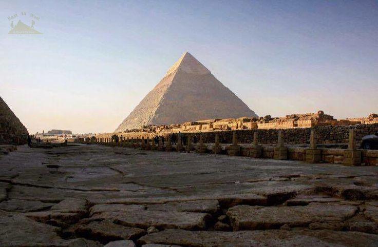 The land of the greatest civilization Egypt 💚 مصر من أعظم الحضارات في تاريخ البشرية  To know more about our weekend in Egypt check لمعرفة المزيد عن رحلتنا الى القاهرة يمكنك قراءة المدونة على الرابط  http://www.easttowestadventures.com/en/pyramids-for-a-weekend/ #easttowestadventures #egypt #egyptianmuseum #cairo #travelblogger #travelphotography #pyramids