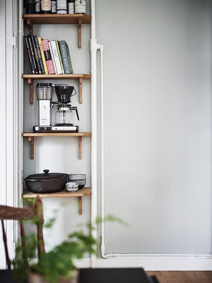Låt inte en liten yta hindra dig från att inreda snyggt och smart. Med hjälp av några enkla knep kan du skapa ett inspirerande kök.