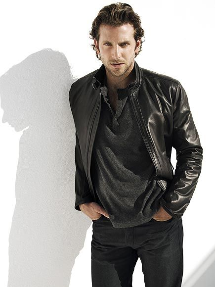 Bradley Cooper  http://www.youtube.com/watch?v=5YzycmATYh0