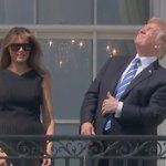 """""""BREAKING; live images of Donald Trump's eyes after watching the solar eclipse without protection"""""""