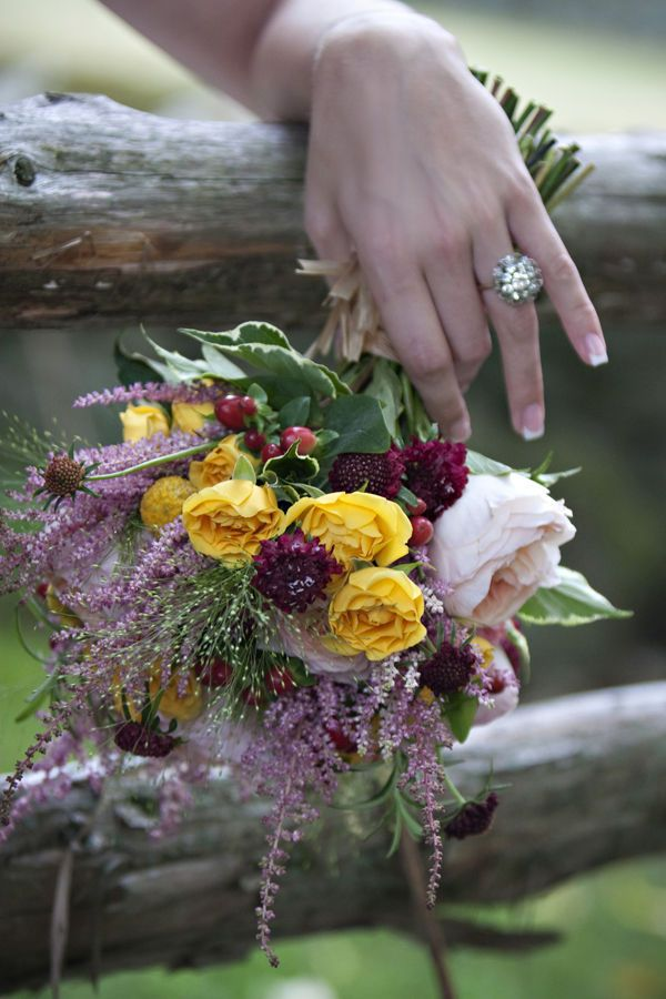 Rhode Island American Pie Wedding Inspiration at Mount Hope Farm I like this venue a lot. Need to check it out / inquire about pricing.   Love this bouquet!