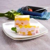 Puding Kelapa Jeruk http://www.sajiansedap.com/recipe/detail/324/puding-kelapa-jeruk#.U8Ygj_mSxRE