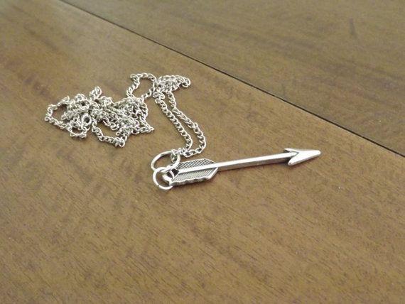 collier fleche par dtiaccesjewelry sur Etsy