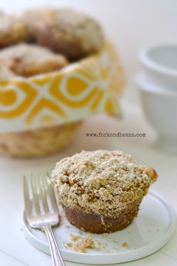 Pumpkin streusel muffin (sub coarsest ground oats for topping)