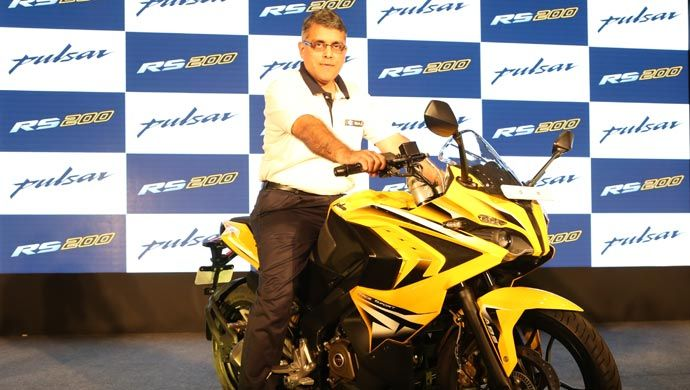 Eric Vas, President - Motorcycle Business, Bajaj Auto Ltd with the new Pulsar Bajaj Auto has launched their long awaited Pulsar RS200 super sports motorcycle at a highly competitive ex-showroom Delhi price of Rs. Rs. 118,000 and Rs.130,000 for the ABS version.