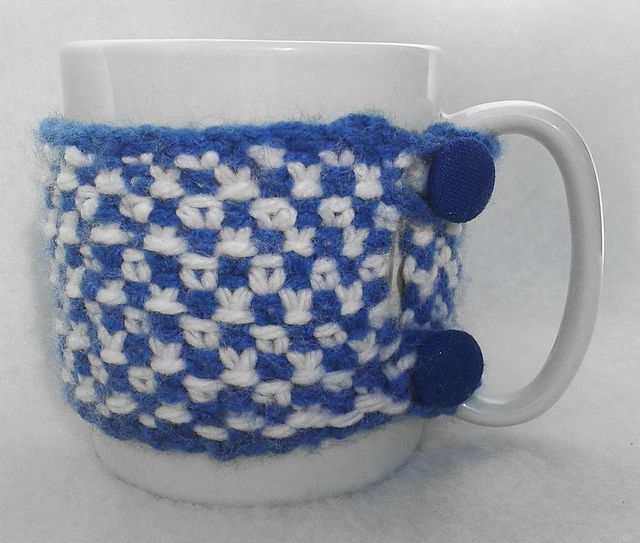 Ravelry: NanniClover's Blue & White Linen Stitch Mug Cosy