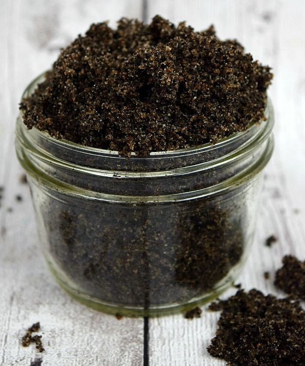 DIY Coffee Scrub recipe- tried this out, and it seriously WORKS! After a few uses, I saw a real difference in the appearance of cellulite. Not to mention, my skin is softer than it's ever been! Great pin!!