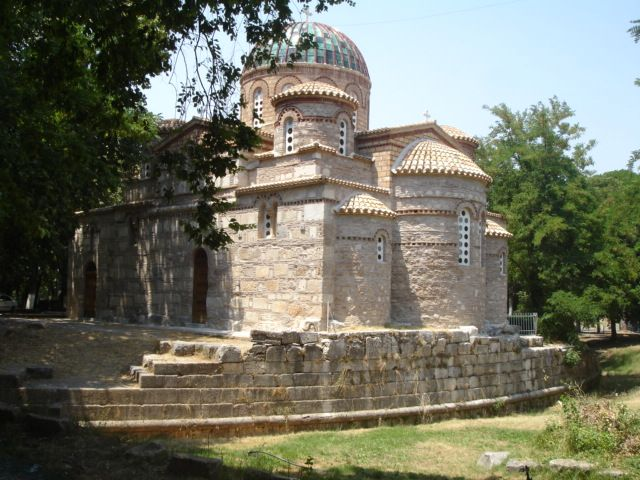 Visit Ancient Tegea where you can see the byzantine church build above an ancient theatre! http://www.discover-peloponnese.com/biking_tours/menalo_mountain_biking_tour/menalo_biking_general.html #discover_peloponnese    #Greece    #mainnland    #archaeology_tour #byzantine #ancientgreece #ancient_theatre