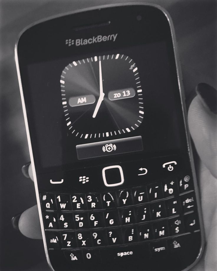 #inst10 #ReGram @naomih1902: #bedtijd! #nachtdienst alweer omgevlogen op MKNN. #waakzaam #dienstbaar #BlackBerryClubs #BlackBerryPhotos #BBer #OldBlackBerry #RIM #QWERTY #Keyboard #BlackBerryBold #Bold #RIM