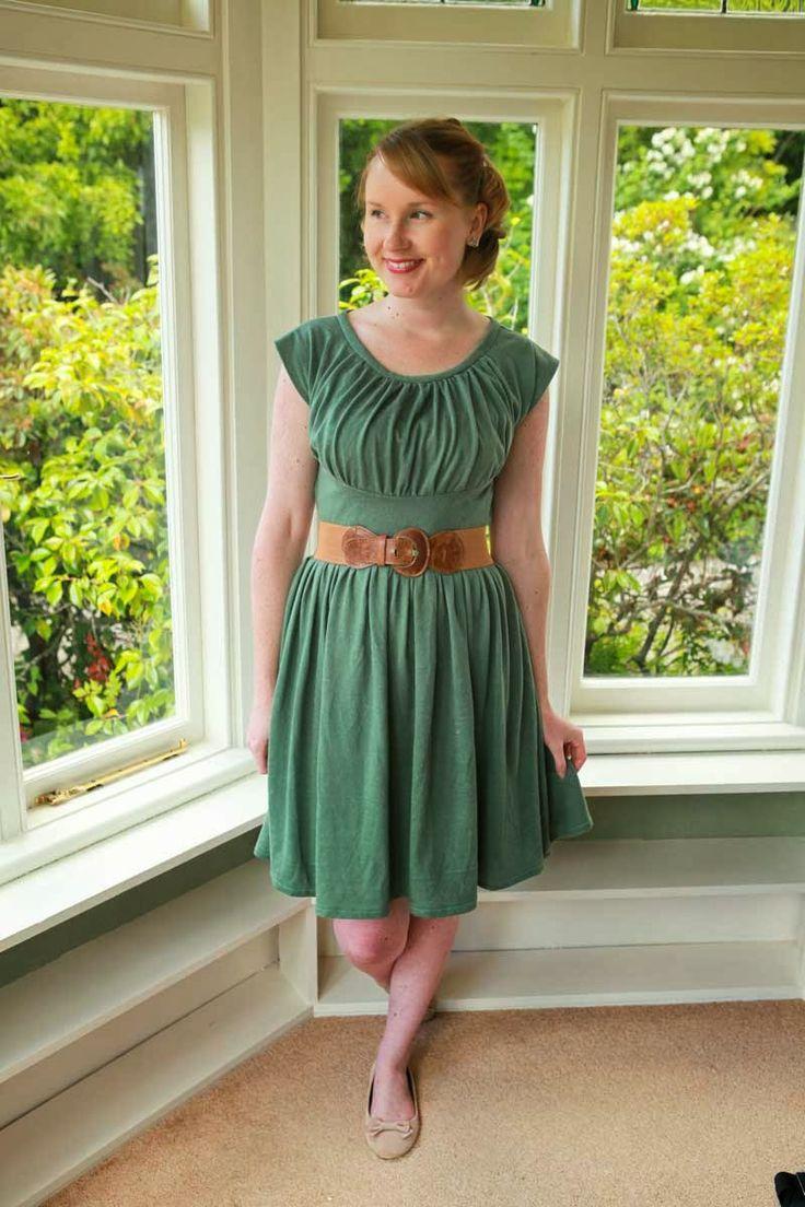 Sewing - That 40s Vogue Again {via Jennifer Lauren Vintage}